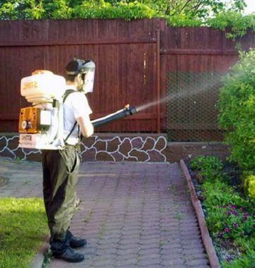 Опрыскивание сада